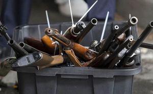 За сутки 9 луганчан добровольно сдали оружие и боеприпасы в полицию