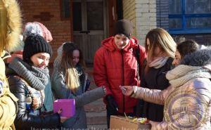 Студенты ЛНУ им. Шевченко выменяли на сигареты почти два килограмма конфет. ФОТО