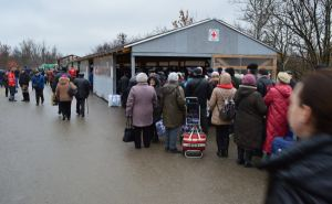 В Станице Луганской с начала года волонтеры Красного Креста оказали помощь людям более 500 тысяч раз. ФОТО