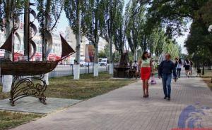 Очередная композиция украсила аллею кованых скульптур Луганска