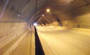 В Алчевске жители двух микрорайонов оказались отрезанными от города: перекрыт тоннель