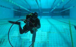 В Северодонецке школа вместе с бассейном проваливаются под землю
