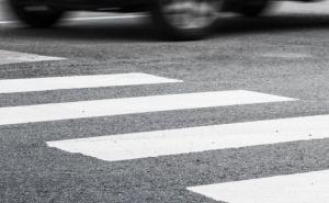 В Рубежном таксист сбил человека на пешеходном переходе и бросил умирать