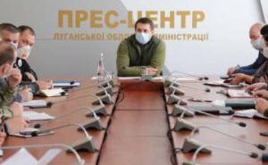Губернатор Луганщины потребовал ежедневно проверять температуру и состояние здоровья водителей такси и тех кто доставляет продукты