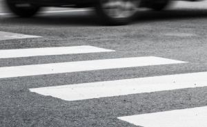 В Северодонецке водитель сбил на пешеходном переходе 84-летнюю женщину и скрылся с места происшествия
