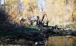 Спасатели расчистили 20 заторов на реке Лугань