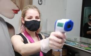На каких условиях в Луганске разрешат открыть парикмахерские и салоны красоты
