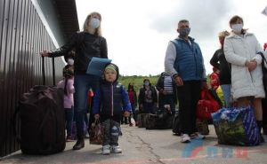 В Киеве не рекомендуют людям преклонного возраста пересекать КПВВ до полного окончания карантина
