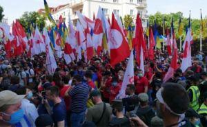 Антипрезидентский митинг в Киеве. Митингующие требуют отставки Зеленского (фото, видео)