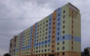 Дом для переселенцев в Рубежном поврежден сильным ветром. ФОТО