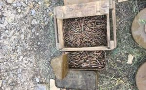 В пригороде Луганска обнаружили большой тайник с оружием и боеприпасами. ФОТО
