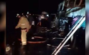 В России попал в ДТП и сгорел рейсовый автобус. За рулем был луганчанин. Пять человек пострадали. ФОТО