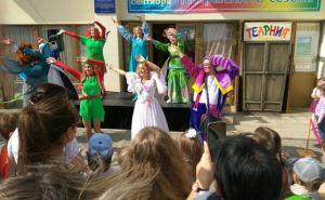 В своем 81-м сезоне Луганский театр кукол представил 160 спектаклей, которые посмотрели 17 614 зрителей. ФОТО