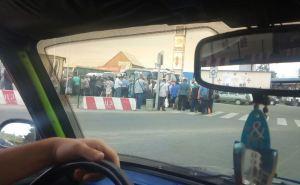 В воскресенье через линию разграничения у Станицы Луганской сиогли перейти более 2,5 тысяч человек