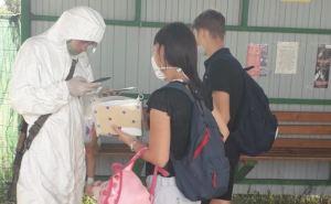 Абитуриентам и студентам из Луганска разрешили пересекать КПВВ без «Дії