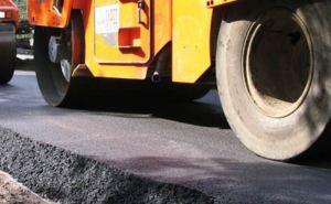 На дороге от Старобельска до Новоайдара восстанавливают дорожное покрытие