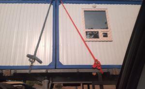 Оборудование для КПВВ у Счастья и Золотого вывезли из Луганска на грузовиках
