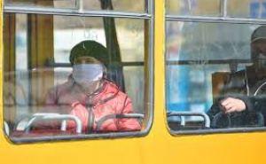 В Луганске настоятельно рекомендуют надевать защитные маски в общественном транспорте
