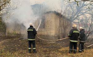 Пострадавшим от пожаров выделят по 300 тыс. грн за разрушенное жилье