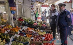 Полиция и санэпидемстанция провела рейд по рынкам на востоке Луганска. ФОТО