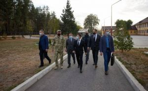 Тайный визит Зеленского на Луганщину. Общения с народом не случилось