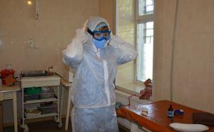Врачи зараженные коронавирусом продолжают лечить пациентов в Северодонецке