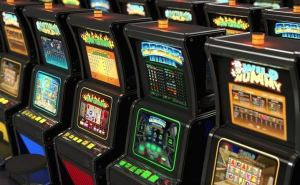 Играть в казино First Casino или нет?