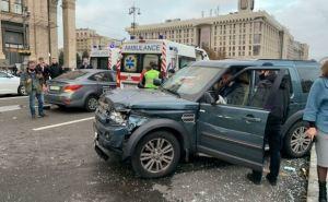 Пьяный на элитном внедорожнике врезался в людей по пешеходной зоне на Майдане Независимости. Минимум два человека погибло. ВИДЕО. ФОТО