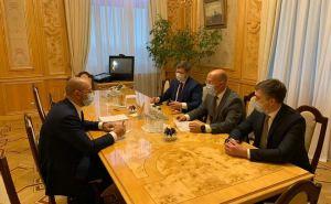 Нардепы из команды Шахова пожаловались премьер-министру Шмыгалю на луганского губернатора Гайдая