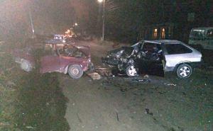 Жуткое ДТП устроил пьяный водитель в Луганске. Один человек погиб, двое в тяжелом состоянии. ФОТО