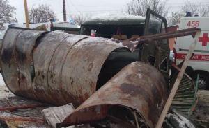Военные устроили сегодня еще одно ДТП в Луганске. УАЗ снес остановку— пострадал 10-летний ребенок и его дедушка. ФОТО