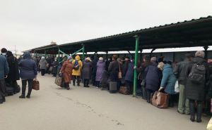 Сегодня через КПВВ «Станица Луганская» смогли пройти 2265 человек.