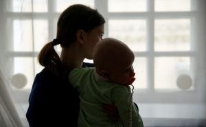 Скандал в Лисичанске. У матерей-одиночек требуют вернуть выплату на ребенка за июль