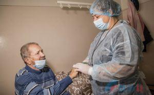 Выздоровевшие от COVID-19 рассказали, как протекала болезнь, и что оказалось для них самым страшным.