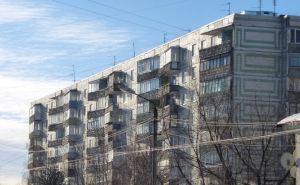 В Луганске усилили три многоэтажных дома, пострадавших от обстрелов
