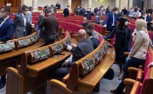 Закон об особом статусе Донбасса и формулу Штайнмайера могут внести сегодня в Верховную Раду