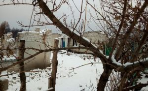 Жители Смоляниново пострадавшие от пожаров пожаловались нардепам на местную власть. ФОТО