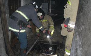 Горел Енакиевский метзавод. Пожар тушили три десятка пожарных и 9 единиц спецтехники