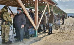 Количество желающих пересечь КПВВ «Станица Луганская» увеличилась вдвое. ФОТО
