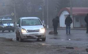 В Алчевске под колесами автомобиля погибла пенсионерка