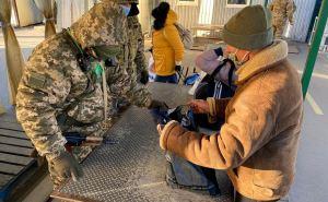 С сегодняшнего дня, 18февраля на КПВВ «Станица Луганская» вводится жесткий таможенный досмотр со стороны Луганска