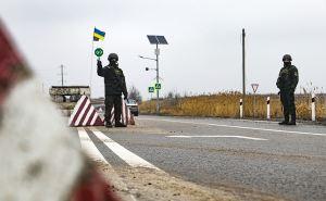 Автомобильный блок-пост у Станицы Луганской: эффект неожиданности. ФОТО