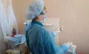 Врач из Луганска рассказала о побочных эффектах у пациентов получивших второй укол вакцины Sputnik V. ФОТО