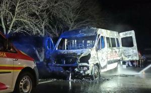 Под Счастьем на ходу загорелся автомобиль «Скорой помощи» с тяжелобольным на борту. ФОТО