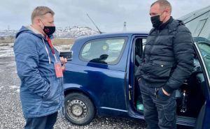Луганчанин на автомобиле хотел попасть домой через КПВВ «Новотроицкое», а попал под обстрел