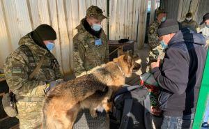 В воскресенье, через пункт пропуска у Станицы Луганской прошло 1427 человек. ФОТО