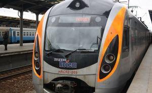 «Укрзалізниця» восстанавливает полноценное движение поездов по всей Украине