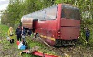 Из-за сильного ветра автобус Москва-Донецк попал в ДТП в Воронежской области. ФОТО