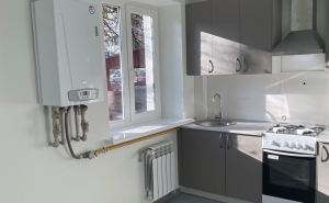 В Кременной Луганской области переселенцы отметили новоселье: «В квартире классный ремонт, все по-европейски». ФОТО