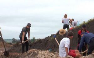 В Сватовском районе луганские и донецкие студенты начали первые за 7 лет археологические раскопки